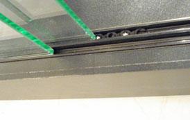 Accessoires pour vitrines serrures fixations etageress - Charniere pour porte en verre vitrine ...